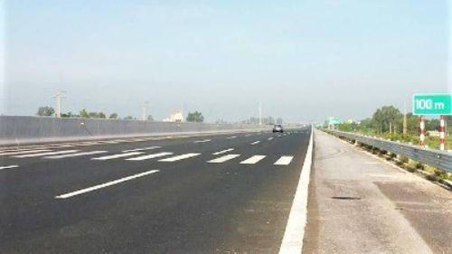 Quy chuẩn mới, tài xế cần lưu ý vạch đo khoảng cách khi đi trên cao tốc