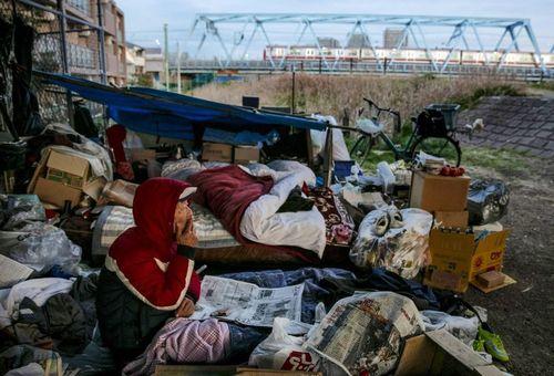 Kiến nghị cho người vô gia cư vào sống tạm tại làng Olympic