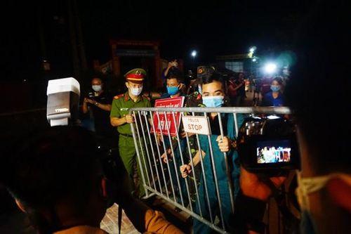 Chính thức gỡ bỏ lệnh phong tỏa thôn Hạ Lôi sau 28 ngày cách ly