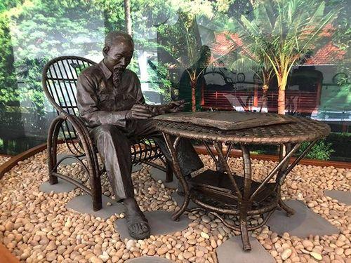 Câu chuyện về 5 bức tượng Bác Hồ của nhà điêu khắc Mexico Ponzanelli