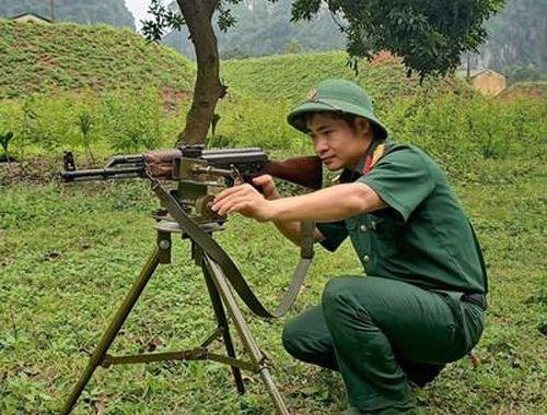 Giá bắn hiệu chỉnh súng tiểu liên AK