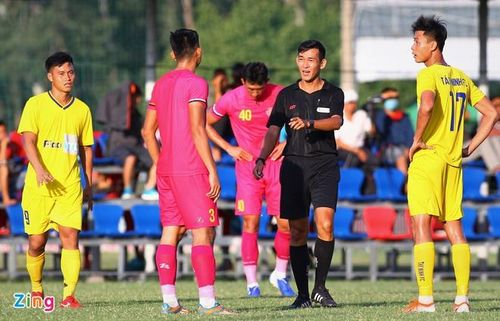 Bóng đá Việt Nam chưa được thay 10 người/trận