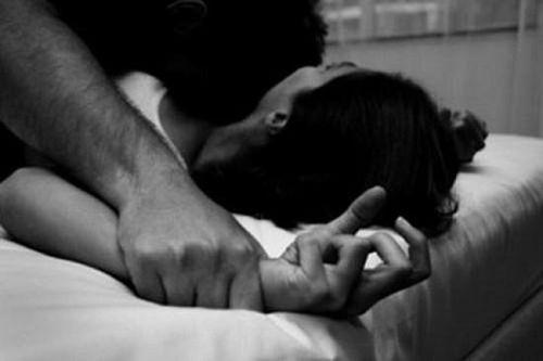 Tên trộm phải trả giá đắt vì có ý định hiếp dâm chủ nhà đang ngủ