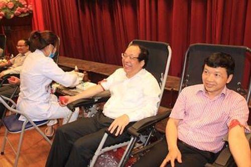 Học viện Báo chí và Tuyên truyền tổ chức Ngày hội hiến máu 'Nắng hồng' 2020