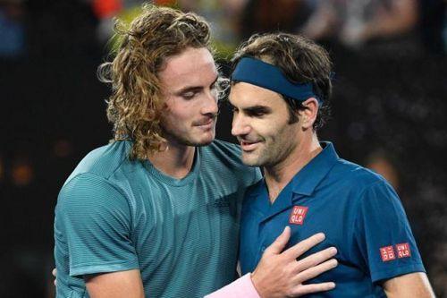 Sao trẻ Hy Lạp đọc sách về Federer để lấy lại cảm hứng