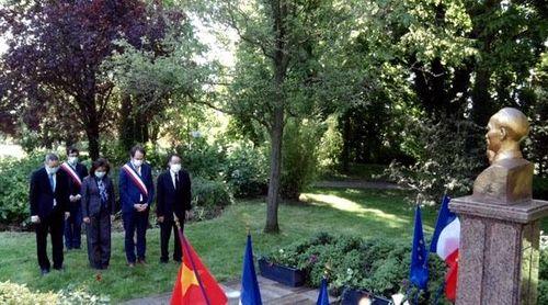 Kỷ niệm 130 năm Ngày sinh Chủ tịch Hồ Chí Minh tại Pháp