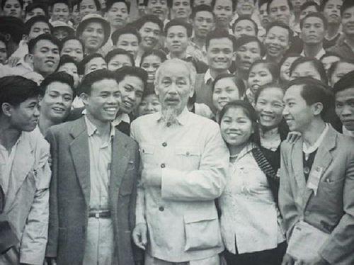 Ấn tượng về Lãnh tụ Hồ Chí Minh trong con mắt bạn bè quốc tế