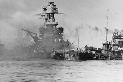 Tàu chiến nổi tiếng được mệnh danh không thể chìm của Mỹ