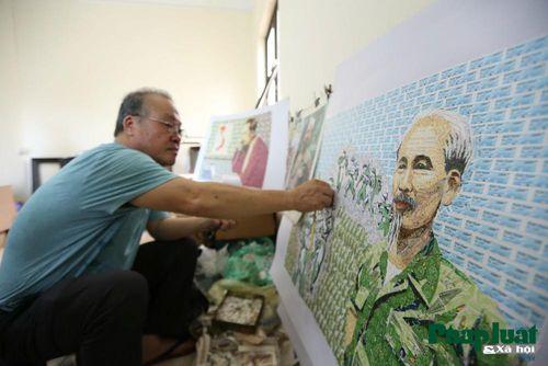 Người họa sĩ dành 25 năm làm tranh ghép tem về Bác Hồ