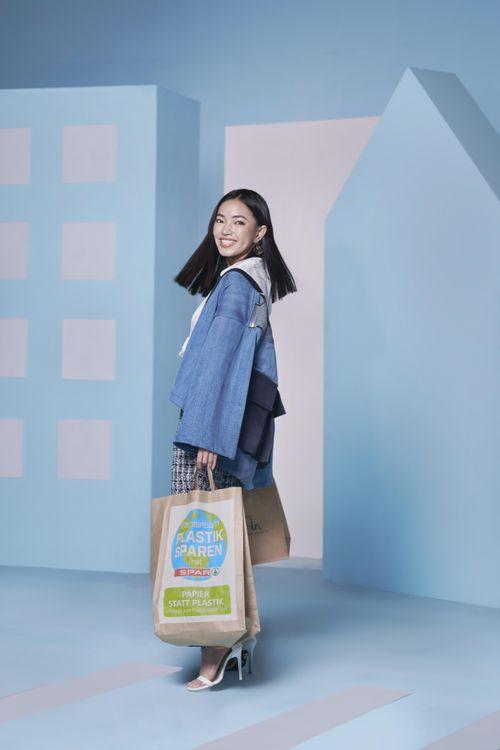 Người mẫu Châu Bùi trẻ trung với thời trang thân thiện môi trường