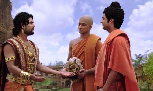 Vì sao Đức Phật vẫn còn tóc mà các Tỳ-kheo thì không?