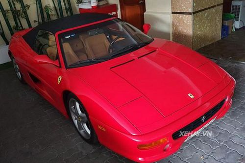 Ngắm Ferrari 355 F1 Spider hơn 20 tuổi tại Sài Gòn