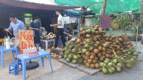 Kinh doanh giải khát ở vỉa hè Hà Nội 'hốt bạc' mùa nắng nóng