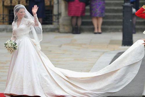 Váy cưới của cô dâu Hoàng gia khắp thế giới có gì đặc biệt?