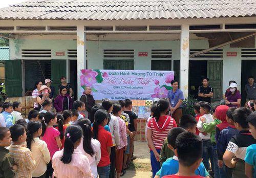 Hỗ trợ xây dựng bếp ăn cho học sinh tỉnh Hòa Bình