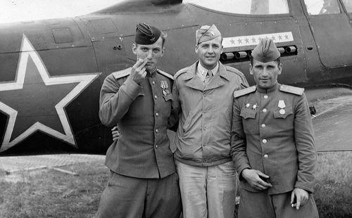 Cái bắt tay giữa Hồng quân Liên Xô và phương Tây: Chỉ 1 chiến dịch thất bại đã gây hậu hoạn khôn lường