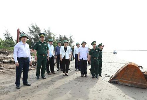 Thường trực Tỉnh ủy làm việc với Ban Thường vụ Huyện ủy Kim Sơn