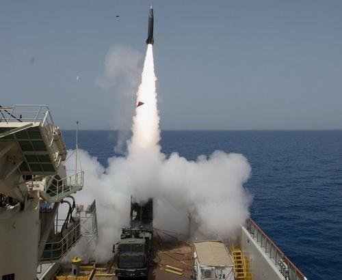 Israel thử cùng lúc hai tên lửa đạn đạo LORA trên biển