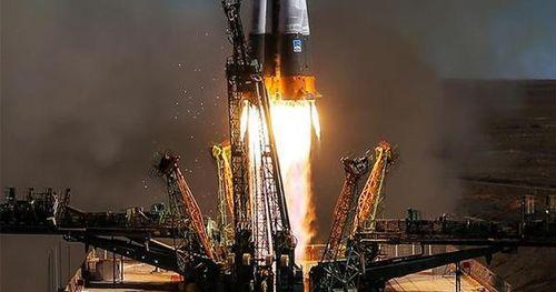 SpaceX đưa người lên vũ trụ thành công, vì sao Mỹ vẫn phải 'cắn răng' chi 90 triệu USD cho Nga để mua suất lên ISS?