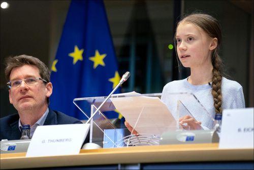 Lời 'hỗn hào' của Greta Thunberg hay tuyên ngôn môi trường với lớp trẻ