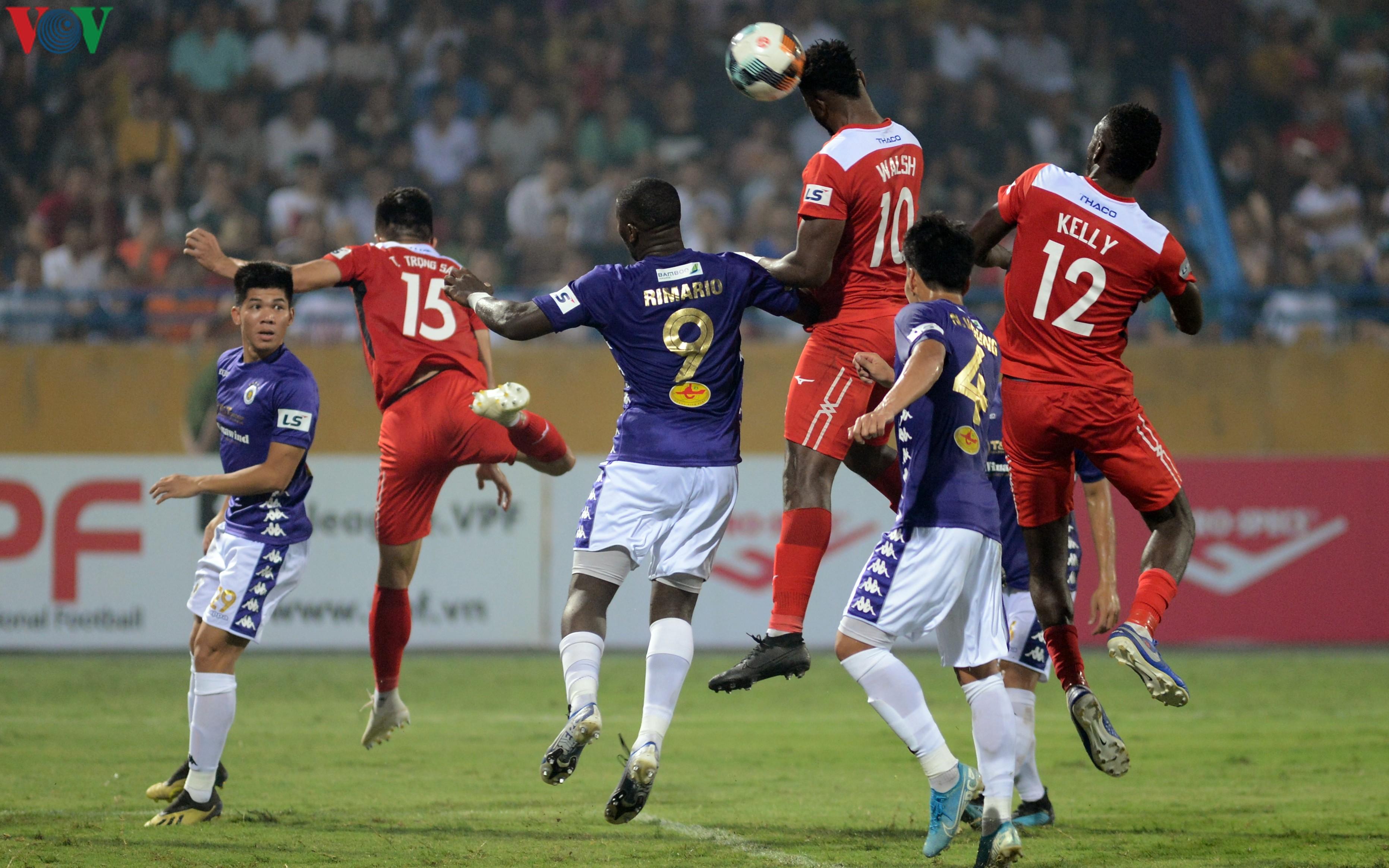 Rimario 'vờn' các chú hổ Bi-Rai, đưa đội bóng cũ trở lại mặt đất