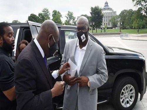 Em ông Floyd điều trần Hạ viện: 'Mạng người da màu chỉ 20 đô?'