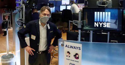 Làn sóng lây nhiễm Covid-19 thứ 2 bùng phát, Dow Jones sụt 1.800 điểm