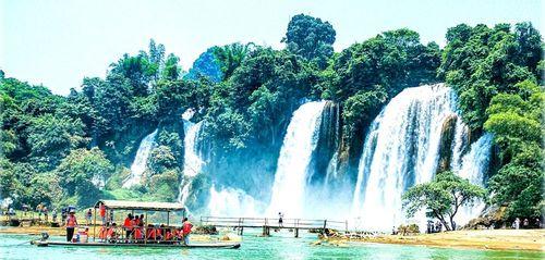 Trùng Khánh: Phát huy thế mạnh kinh tế biên mậu và du lịch