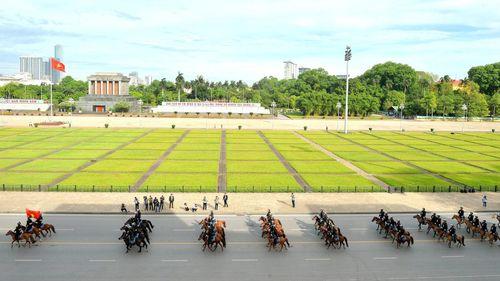 Đoàn kỵ binh trên thao trường
