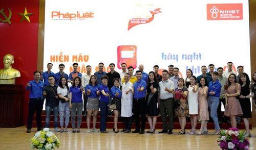 Gần 100 cán bộ, phóng viên Báo Pháp luật Việt Nam tình nguyện hiến máu