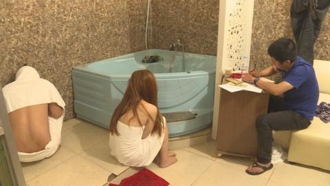 Nhân viên quán massage Ngọc Trinh ngang nhiên bán dâm giá rẻ