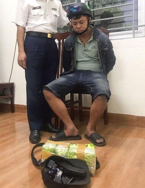 Cảnh sát biển bắt 3 đối tượng vận chuyển hơn 4 kg ma túy