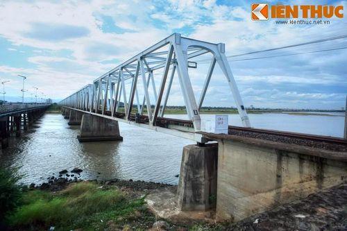 Biết gì về cây cầu dài nhất miền Trung?