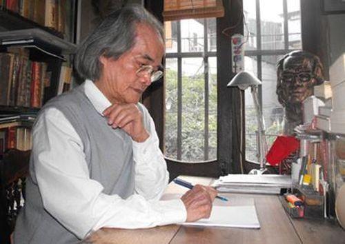 Với nhà văn Sơn Tùng tại Chiếu Văn