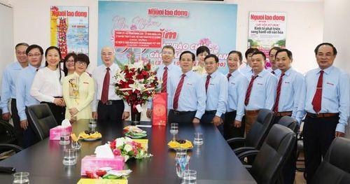 Lãnh đạo Thành ủy TP HCM thăm Báo Người Lao Động