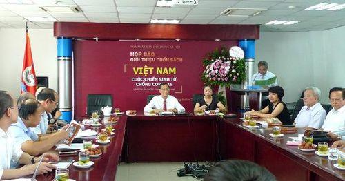 'Việt Nam - cuộc chiến sinh tử chống Covid-19' xuất bản lần 2 với nhiều hình ảnh và tư liệu mới