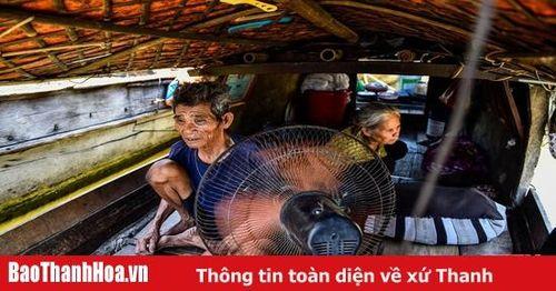 Xóm chài nghèo giữa lòng TP Thanh Hóa oằn mình vì nắng nóng