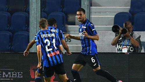 Kết quả Atalanta 3-2 Lazio: Thua ngược đáng tiếc, Lazio bị Juve cắt đuôi