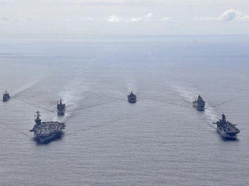 Mỹ siết thêm gọng kìm với Trung Quốc