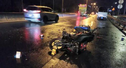 TP HCM: Xe máy va chạm làm 2 người thương vong