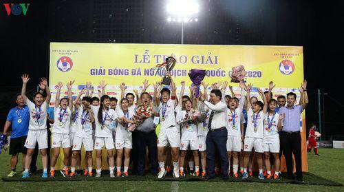 Chùm ảnh: Hà Nội lập hat-trick vô địch giải bóng đá U19 nữ Quốc gia