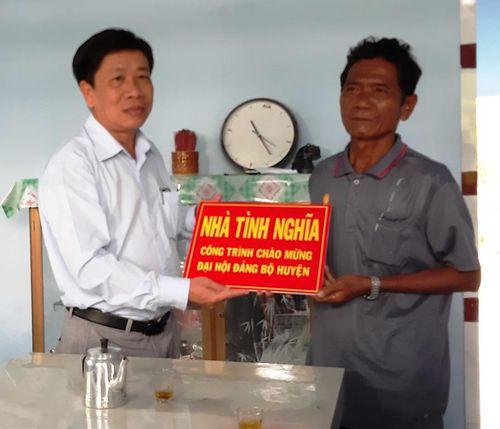 Kiên Giang: Hỗ trợ đảng viên các ấp gặp khó khăn về nhà ở