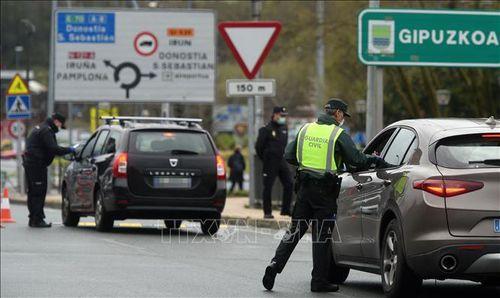 EU mở cửa biên giới với 15 nước
