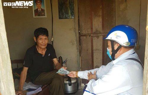 Tăng gần 4.000 người nghèo nhận tiền hỗ trợ do lỗi máy tính ở Đắk Lắk