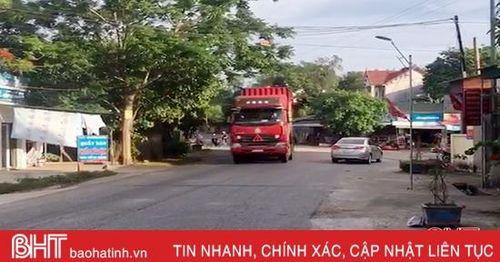 Xe container, xe tải lao vút trên tỉnh lộ 554 từ Đức Thọ sang Vinh, người dân bất an!