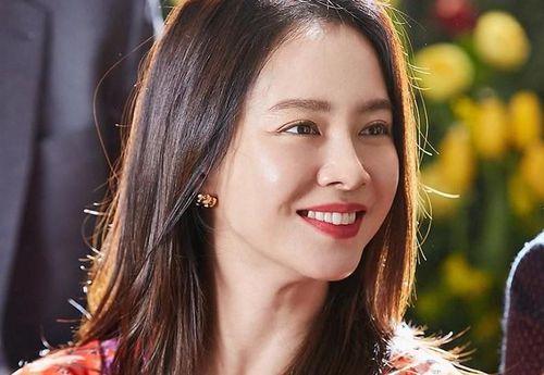 Song Ji Hyo ở tuổi 39