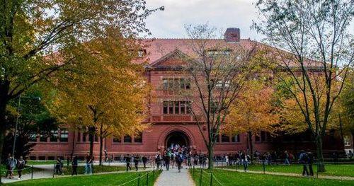 Danh sách các trường ở Mỹ lên kế hoạch dạy online mùa thu này, du học sinh nắm rõ để có sự chuẩn bị phù hợp