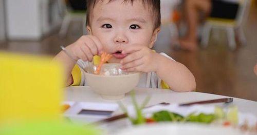 Từ vụ bé 30 tháng tuổi tử vong vì ăn thực dưỡng chữa bệnh, cảnh báo cách nhiều người vẫn tin như biện pháp 'thần dược'