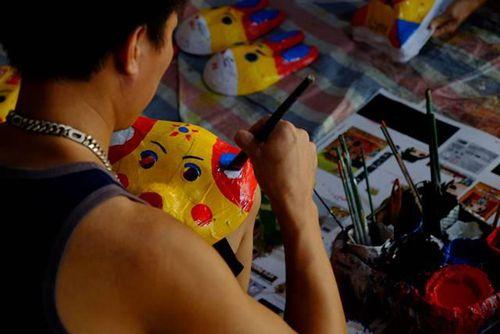 Hưng Yên: Sức sống của làng nghề làm đồ chơi trung thu truyền thống