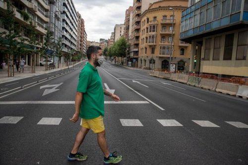 Tây Ban Nha: Tòa án địa phương phản đối lệnh yêu cầu người dân ở nhà